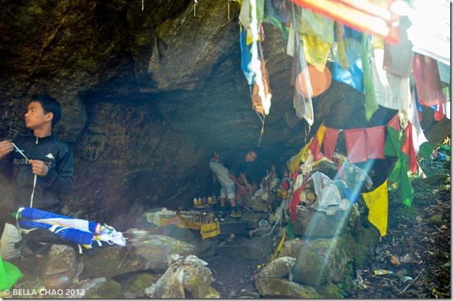 121009 Cave 13(LR)01
