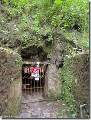 121010 South Cave 013(LR)01